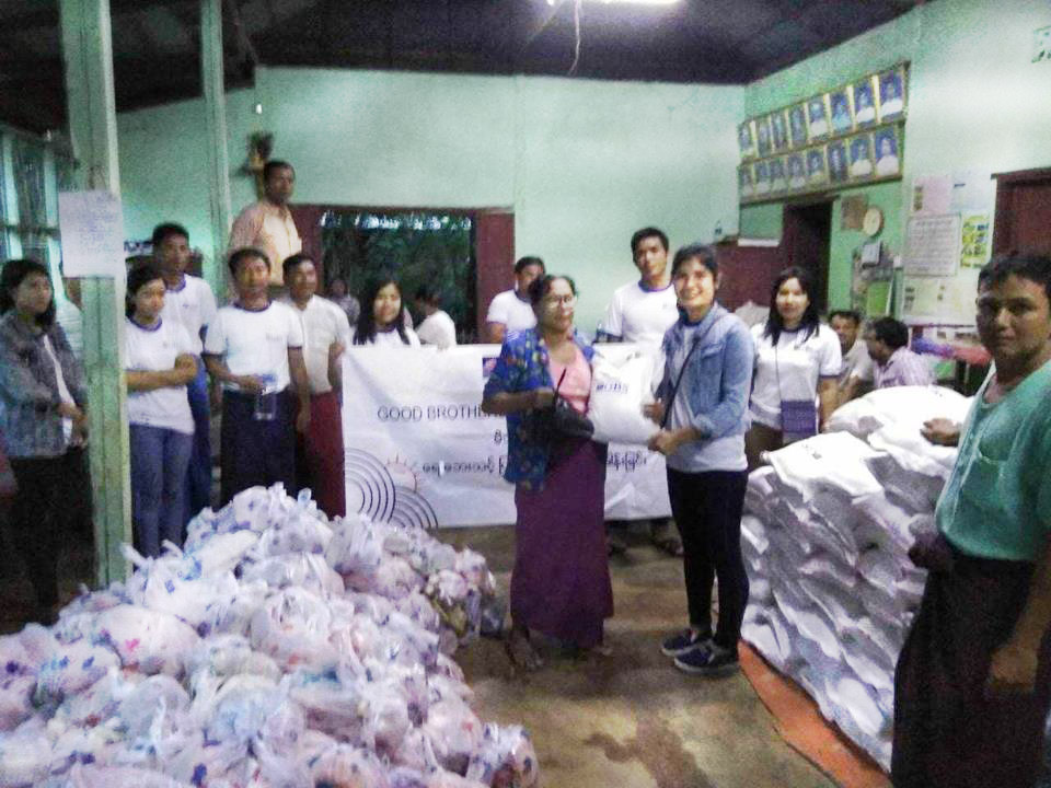 Donation to Flood Relief (Photo 10)